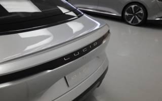 Позиции Tesla слабеют по мере развития Lucid Motors