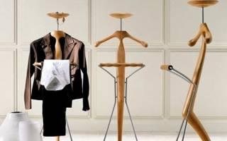 Разновидности вешалок для одежды в автомобиль