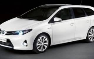 Toyota Auris подросла до универсала