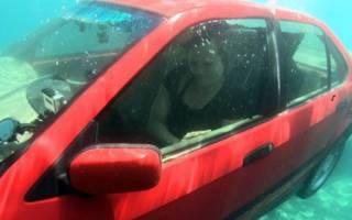 Безопасно выходим из машины